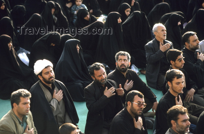 iran143: Iran - Isfahan: Naghsh-i Jahan Square - Day of Ashura - mourning for the martyrdom of Husayn ibn Ali, the grandson of the Islamic prophet Muhammad at the Battle of Karbala - photo by W.Allgower - (c) Travel-Images.com - Stock Photography agency - Image Bank