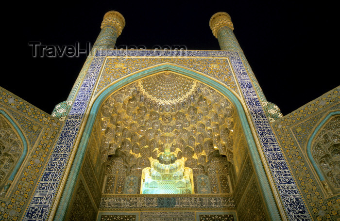 iran152: Iran - Isfahan: Imam / Shah Mosque -  Naghsh-i Jahan Square - vaulted entrance with muqarnas - UNESCO World Heritage Site - photo by W.Allgower - (c) Travel-Images.com - Stock Photography agency - Image Bank
