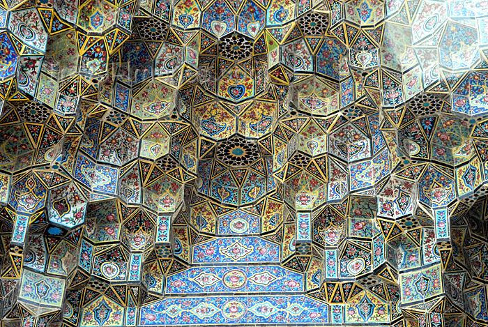 iran157: Iran - Shiraz: muqarnas over a gate - LotfAli Khan-e Zand Street - photo by M.Torres - (c) Travel-Images.com - Stock Photography agency - Image Bank