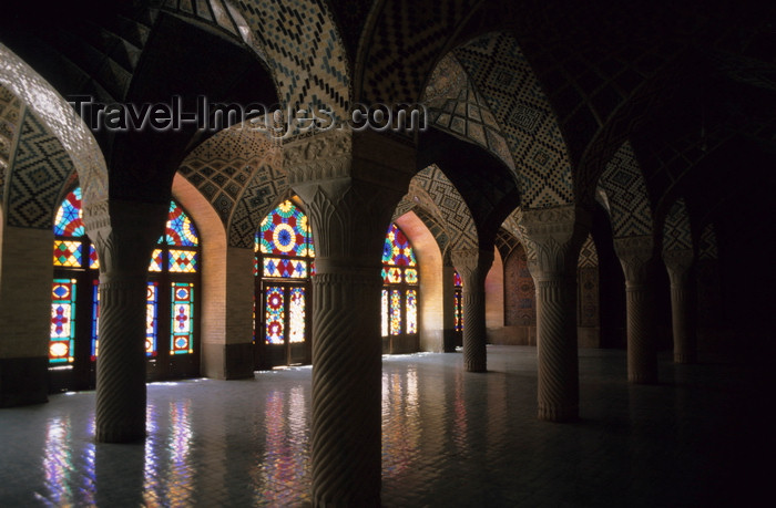 iran183: Iran - Shiraz: Nasir al-Mulk Mosque - prayer hall - LotfAli Khan-e Zand Street - Gowd-e Araban district - photo by W.Allgower - (c) Travel-Images.com - Stock Photography agency - Image Bank