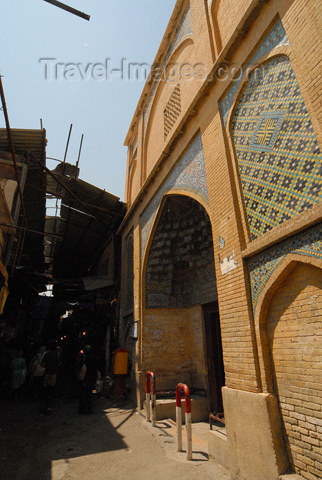 iran191: Iran - Shiraz: alleys of the Vakil / Regent's bazaar - photo by M.Torres - (c) Travel-Images.com - Stock Photography agency - Image Bank