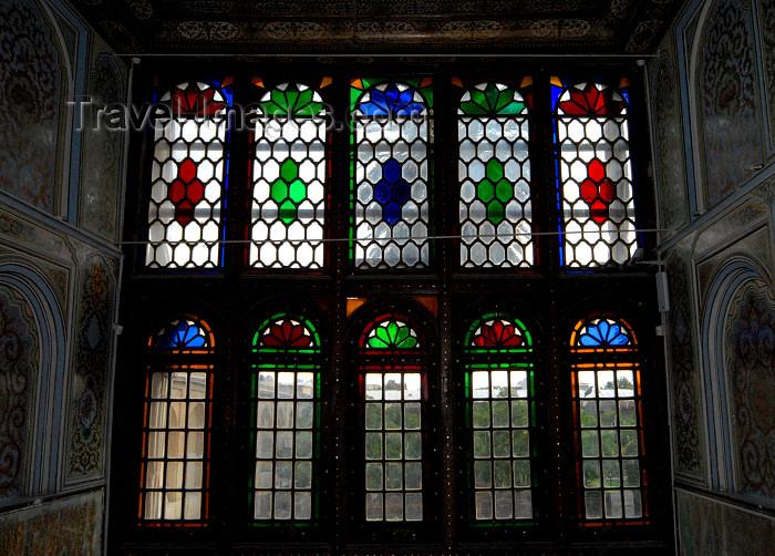 iran207: Iran - Shiraz: windows - Qavam House - Narenjestan e Qavam - photo by M.Torres - (c) Travel-Images.com - Stock Photography agency - Image Bank