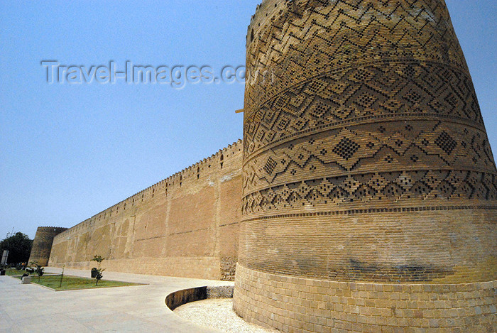 iran257: Iran - Shiraz: along the fort's ramparts - Karim Khan Zand citadel - Arg-i Karim khani - photo by M.Torres - (c) Travel-Images.com - Stock Photography agency - Image Bank