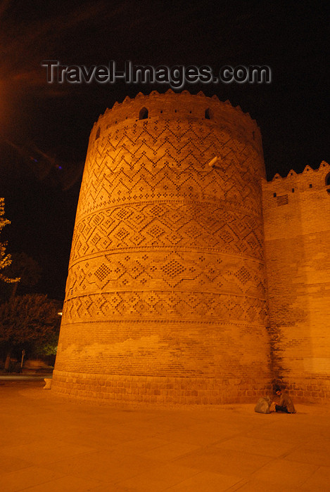 iran259: Iran - Shiraz: the castle at night - Karim Khan Zand citadel - photo by M.Torres - (c) Travel-Images.com - Stock Photography agency - Image Bank