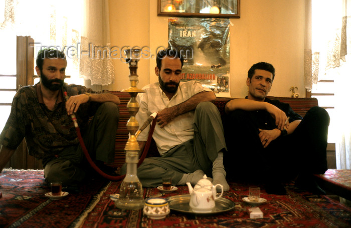 iran268: Iran - Tehran: men in a tea house - water-pipe - narghileh - photo by W.Allgower - (c) Travel-Images.com - Stock Photography agency - Image Bank
