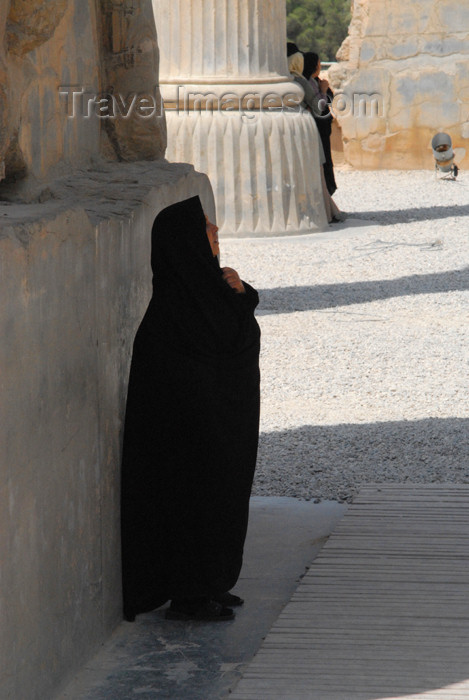 iran272: Iran - Persepolis:  Gate of all the nations - an Iranian woman contemplates the work of her Aryan ancestors - photo by M.Torres - (c) Travel-Images.com - Stock Photography agency - Image Bank