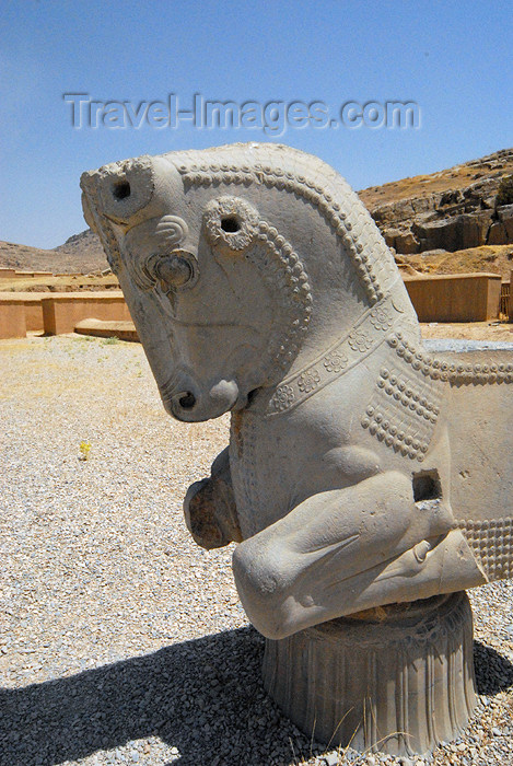 iran284: Iran - Persepolis: bull's head - photo by M.Torres - (c) Travel-Images.com - Stock Photography agency - Image Bank
