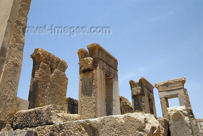 iran298: Iran - Persepolis: palace of king Darius I the Great - side view - photo by M.Torres - (c) Travel-Images.com - Stock Photography agency - Image Bank
