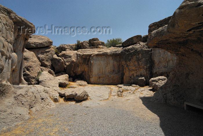 iran312: Iran - Naqsh-e Rajab / Naqch-e Radjab: Sasanian rock reliefs at Kuh-i Rahmat - gully east of Istakhr - photo by M.Torres - (c) Travel-Images.com - Stock Photography agency - Image Bank