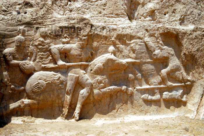 iran321: Iran - Naqsh-e Rustam: equestrian victory of Hormizd II over king Papak of Armenia - below the tomb attributed to Artaxerxes I Makrocheir - Sassanian age - photo by M.Torres - (c) Travel-Images.com - Stock Photography agency - Image Bank