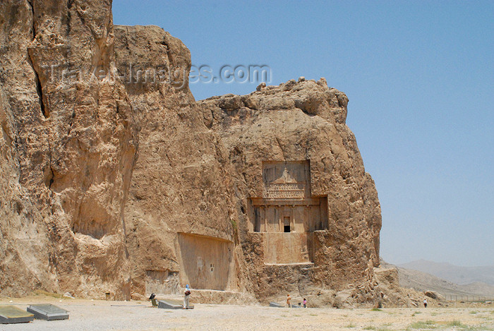 iran327: Iran - Naqsh-e Rustam: cliffs and the tomb attributed to Xerxes - photo by M.Torres - (c) Travel-Images.com - Stock Photography agency - Image Bank