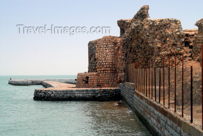 iran351: Iran - Hormuz island / Ilha de Ormuz: Portuguese castle of Nossa Senhora da Victoria - photo by M.Torres - (c) Travel-Images.com - Stock Photography agency - Image Bank