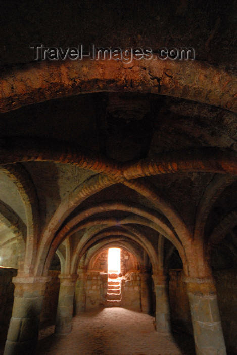 iran359: Iran - Hormuz island: underground church - Portuguese castle - photo by M.Torres - (c) Travel-Images.com - Stock Photography agency - Image Bank