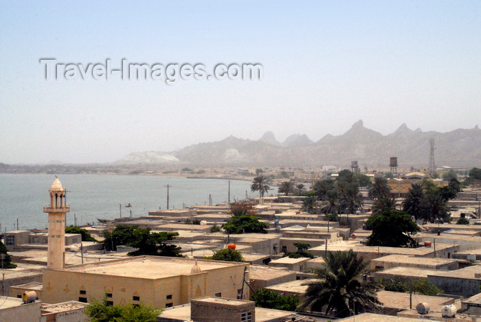iran364: Iran - Hormuz island: view over the town - photo by M.Torres - (c) Travel-Images.com - Stock Photography agency - Image Bank