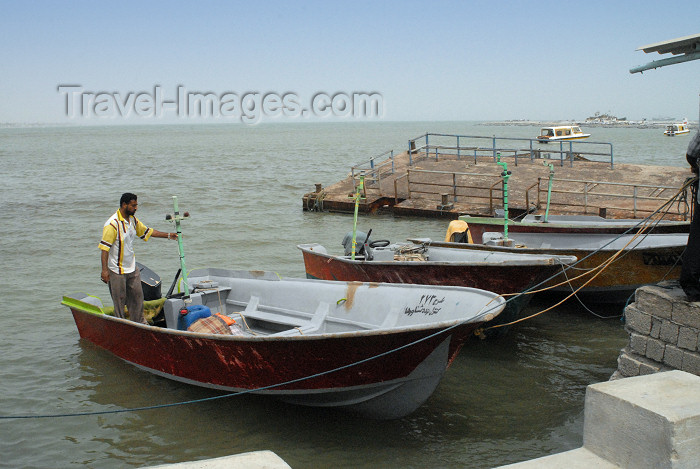 iran373: Iran -  Bandar Abbas: the speedboat to Hormuz island - photo by M.Torres - (c) Travel-Images.com - Stock Photography agency - Image Bank