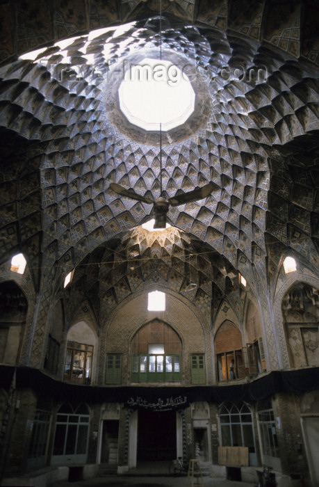 iran402: Iran - Kashan, Isfahan province: Teemcheh-e-Amin o Dowleh - bazaar - photo by W.Allgower - (c) Travel-Images.com - Stock Photography agency - Image Bank