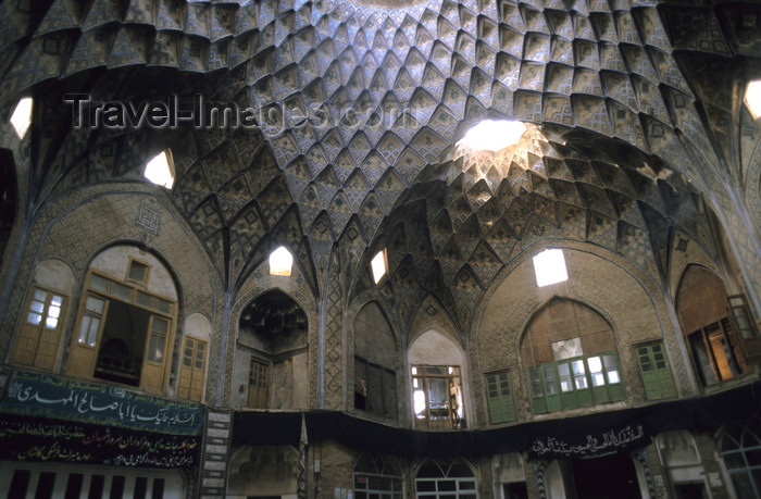 iran403: Iran - Kashan, Isfahan province: ceiling of the Teemcheh-e-Amin o Dowleh - bazaar - photo by W.Allgower - (c) Travel-Images.com - Stock Photography agency - Image Bank