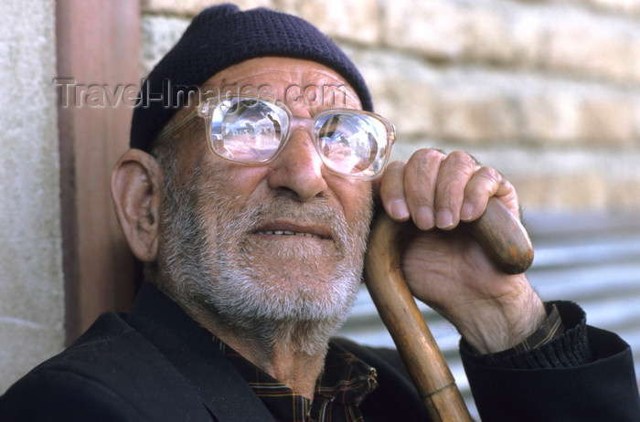 iran410: Iran: man with thick glasses - photo by W.Allgower - (c) Travel-Images.com - Stock Photography agency - Image Bank