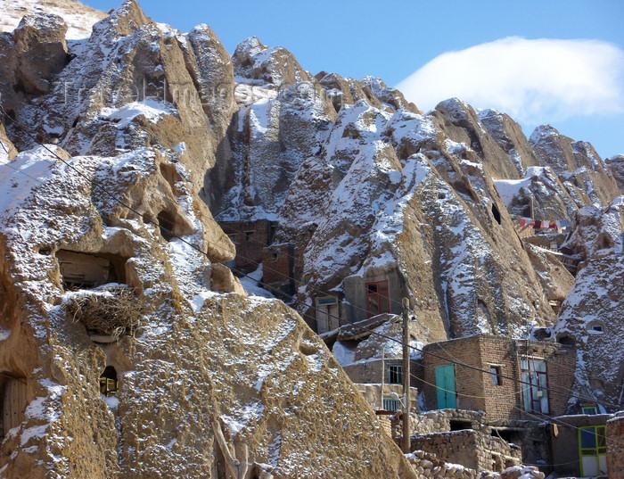 iran43: Kandovan, Osku - East Azerbaijan, Iran: fairy chimneys with troglodyte houses - photo by N.Mahmudova - (c) Travel-Images.com - Stock Photography agency - Image Bank