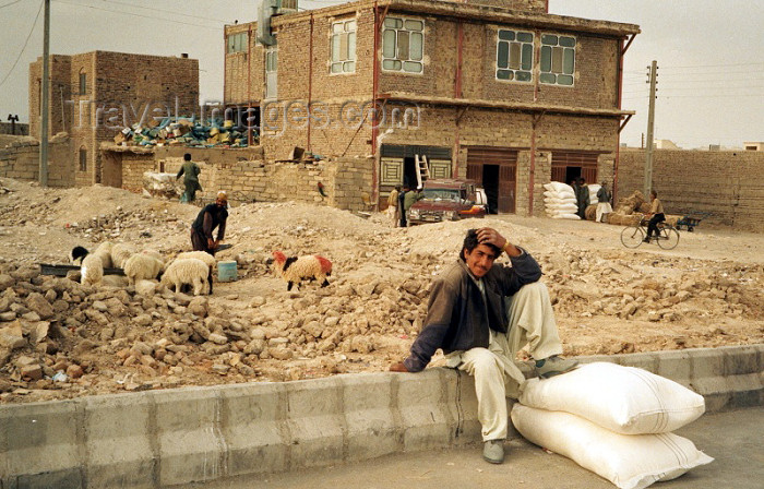 iran442: Iran - Zahedan (Baluchistan / Sistan va Baluchestan): street scene - photo by J.Kaman - (c) Travel-Images.com - Stock Photography agency - Image Bank