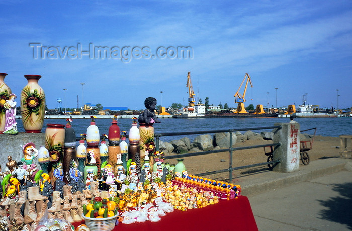 iran448: Iran - Bandar-e Anzali / Bandar-e Pahlavi - Gilan province: souvenirs in the harbour - photo by W.Allgower - (c) Travel-Images.com - Stock Photography agency - Image Bank