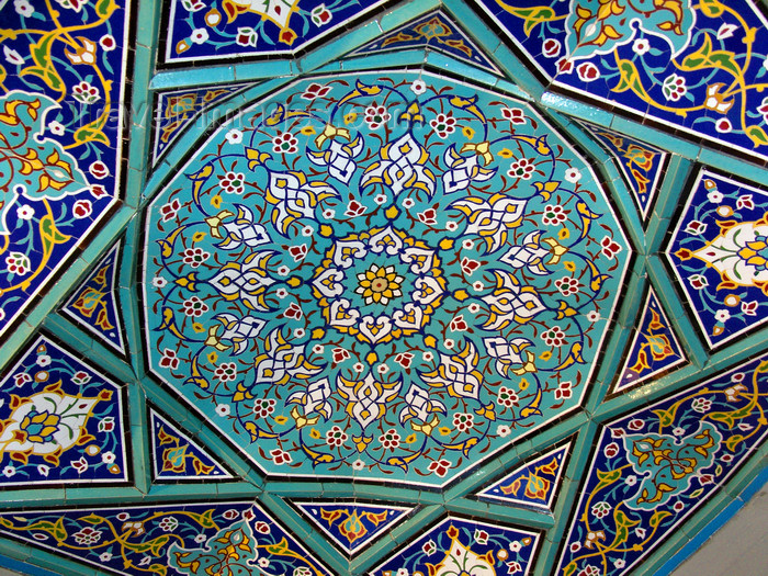iran498: Tabriz - East Azerbaijan, Iran: Maqbaratoshoara - ceiling tiles - poets' tomb - photo by N.Mahmudova - (c) Travel-Images.com - Stock Photography agency - Image Bank
