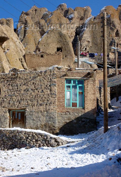 iran507: Kandovan, Osku - East Azerbaijan, Iran: brick buildings and troglodite homes - winter - photo by N.Mahmudova - (c) Travel-Images.com - Stock Photography agency - Image Bank