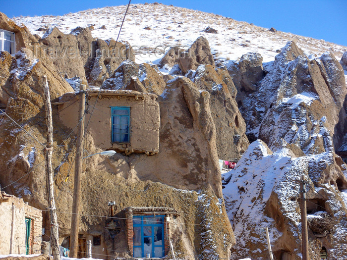 iran519: Kandovan, Osku - East Azerbaijan, Iran: houses face southward so their inhabitants can enjoy sunlight during the day - they are cool in the summer and warm in the winter - photo by N.Mahmudova - (c) Travel-Images.com - Stock Photography agency - Image Bank