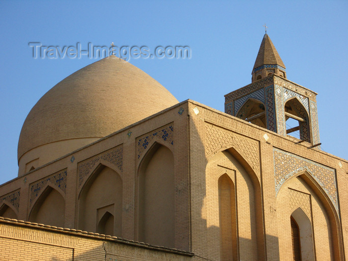 iran526: Isfahan / Esfahan, Iran: domed sanctuary of Vank Cathedral, built in a Persian style - Armenian Orthodox Church - Jolfa, the Armenian quarter - photo by N.Mahmudova - (c) Travel-Images.com - Stock Photography agency - Image Bank