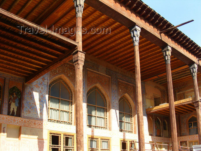 iran531: Isfahan / Esfahan, Iran: Chehel Sotoun - pavilion built by Shah Abbas II for court entertainment and receptions - photo by N.Mahmudova - (c) Travel-Images.com - Stock Photography agency - Image Bank