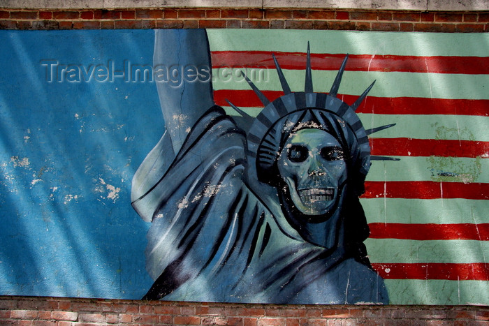 iran567: Tehran, Iran: anti US Propaganda - US 'Den of espionage' - former US Embassy - Statue of Liberty with skull - Talaqani Street - photo by G.Koelman - (c) Travel-Images.com - Stock Photography agency - Image Bank