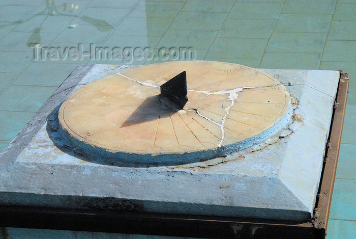 iran78: Iran - Tehran - bazar mosque - sun dial - photo by M.Torres - (c) Travel-Images.com - Stock Photography agency - Image Bank