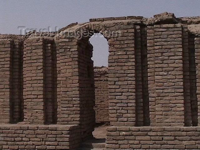 iraq73: Ur of the Chaldees - Dhi Qar / Nasiriya province, Iraq: Sumerian temple - photo by A.Slobodianik - (c) Travel-Images.com - Stock Photography agency - Image Bank