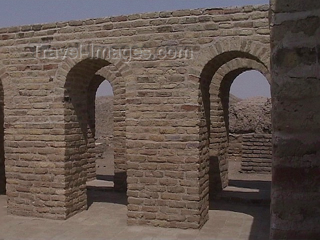 iraq74: Ur of the Chaldees - Dhi Qar / Nasiriya province, Iraq: birth place of Abraham - photo by A.Slobodianik - (c) Travel-Images.com - Stock Photography agency - Image Bank
