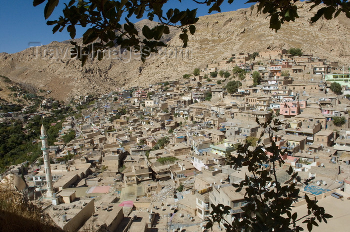 iraq99: Akre / Aqrah, Kurdistan, Iraq: the village embraces the mountain - birth place of Mustafa Barzani and Yitzhak Mordechai - photo by J.Wreford - (c) Travel-Images.com - Stock Photography agency - Image Bank