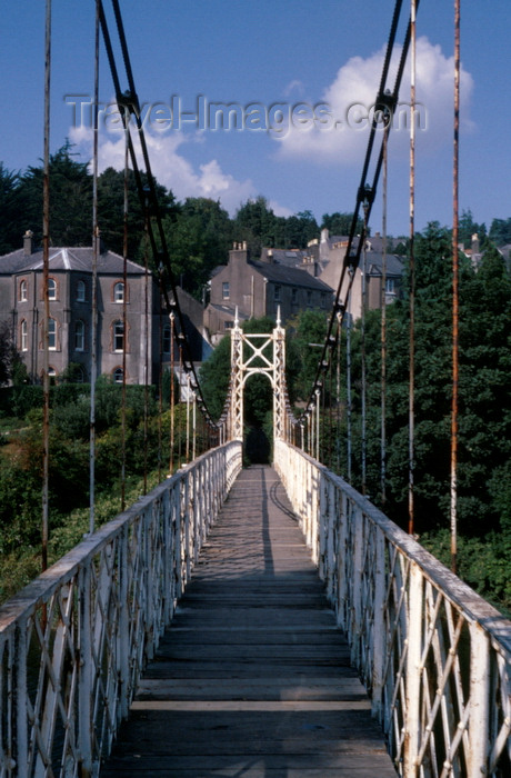 ireland16: Cork, County Cork, Ireland: Daly's bridge, spanning the River Lee - aka Shakey Brid - wrought iron suspension bridge for pedestrians - photo by A.Harries - (c) Travel-Images.com - Stock Photography agency - Image Bank