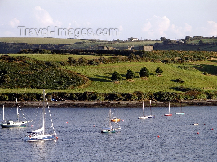 ireland55: Ireland - Kinsale (county Cork): harbour (photo by R.Wallace) - (c) Travel-Images.com - Stock Photography agency - Image Bank