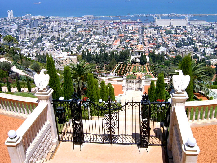 israel118: Haifa, Israel: gardens on mount Carmel - city view - photo by E.Keren - (c) Travel-Images.com - Stock Photography agency - Image Bank