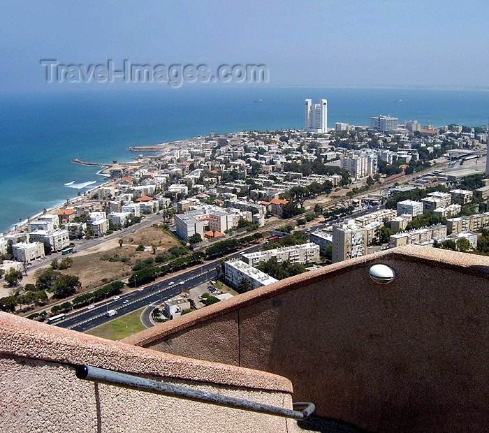 israel119: Haifa, Israel: the city and the Mediterranean sea from above - photo by E.Keren - (c) Travel-Images.com - Stock Photography agency - Image Bank