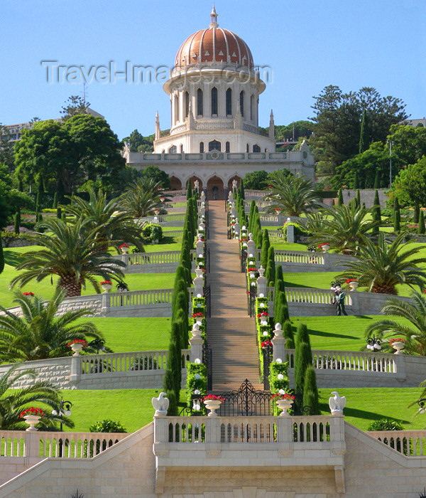 israel120: Haifa, Israel: the Bahai temple - terraces and stairway - Shrine of the Ba'b - Unesco world heritage site - photo by E.Keren - (c) Travel-Images.com - Stock Photography agency - Image Bank