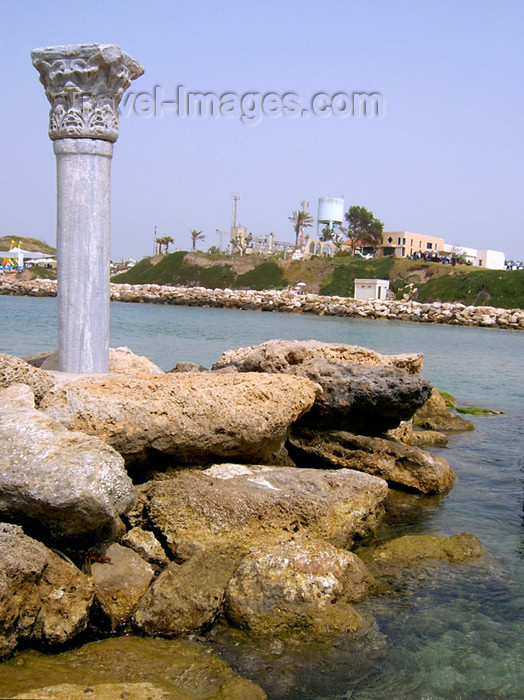 israel145: Kibbutz Sdot Yam, Israel: Roman column - photo by E.Keren - (c) Travel-Images.com - Stock Photography agency - Image Bank