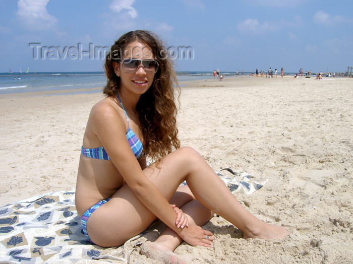 israel147: Israel - Kibbutz Sdot Yam: girl on the beach - sitting on the sand - bikini - photo by Efi Keren - (c) Travel-Images.com - Stock Photography agency - Image Bank