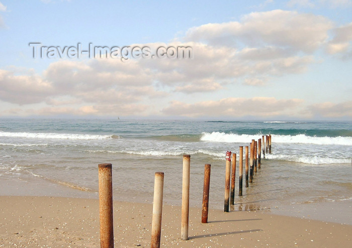 israel154: Israel - Kibbutz Sdot Yam: pier remains - photo by Efi Keren - (c) Travel-Images.com - Stock Photography agency - Image Bank