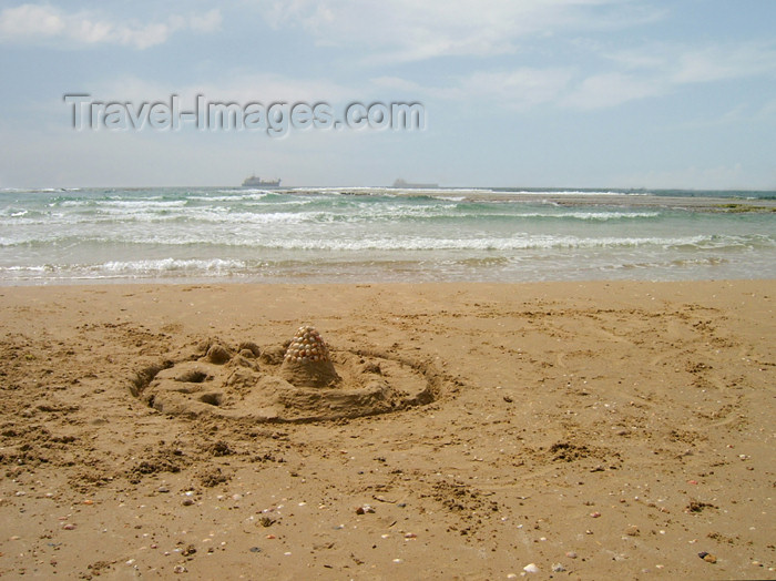 israel172: Israel - Kibbutz Sdot Yam: sand castle with shells - photo by Efi Keren - (c) Travel-Images.com - Stock Photography agency - Image Bank