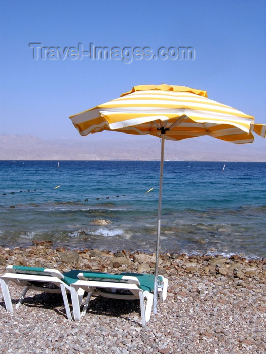israel193: Israel - Eilat: beach chairs - resort - photo by Efi Keren - (c) Travel-Images.com - Stock Photography agency - Image Bank