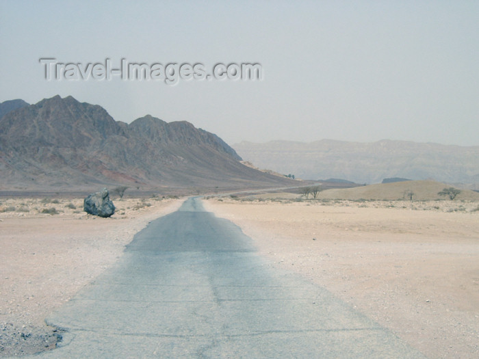israel217: Israel - Dead sea: road to nowhere - photo by Efi Keren - (c) Travel-Images.com - Stock Photography agency - Image Bank