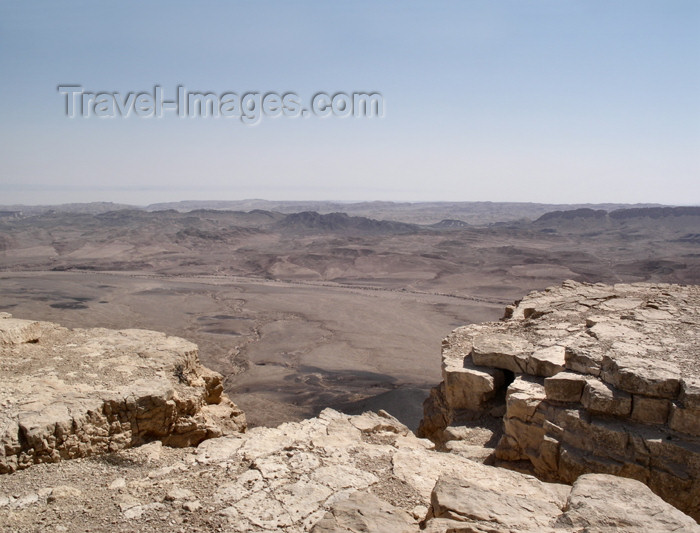 israel240: Israel - Mitzpe-Ramon: Ramon Crater - edge of the crater, called a makhtesh - Negev desert - photo by E.Keren - (c) Travel-Images.com - Stock Photography agency - Image Bank