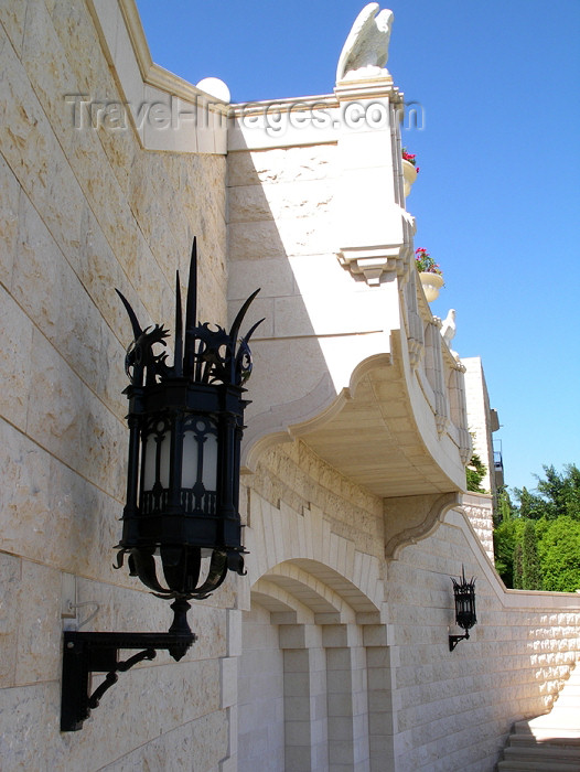 israel249: Haifa, Israel: the Bahai temple - detail of architecture - architect William Sutherland Maxwell - Shrine of the Ba'b - photo by E.Keren - (c) Travel-Images.com - Stock Photography agency - Image Bank