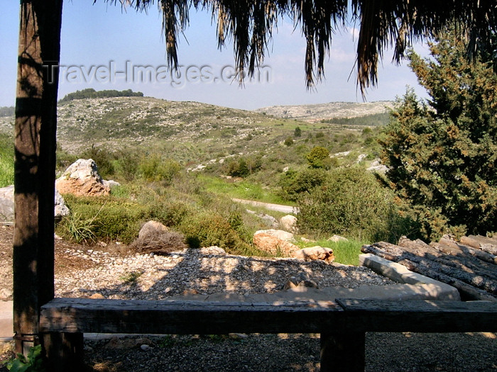 israel285: Israel - Neot Kdumim, Center District: sitting in the shade - photo by E.Keren - (c) Travel-Images.com - Stock Photography agency - Image Bank