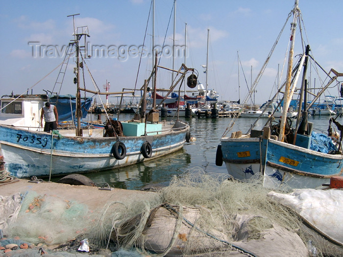 israel302: Israel - Acre / Akko: fishing boats in the Old Port - photo by E.Keren - (c) Travel-Images.com - Stock Photography agency - Image Bank
